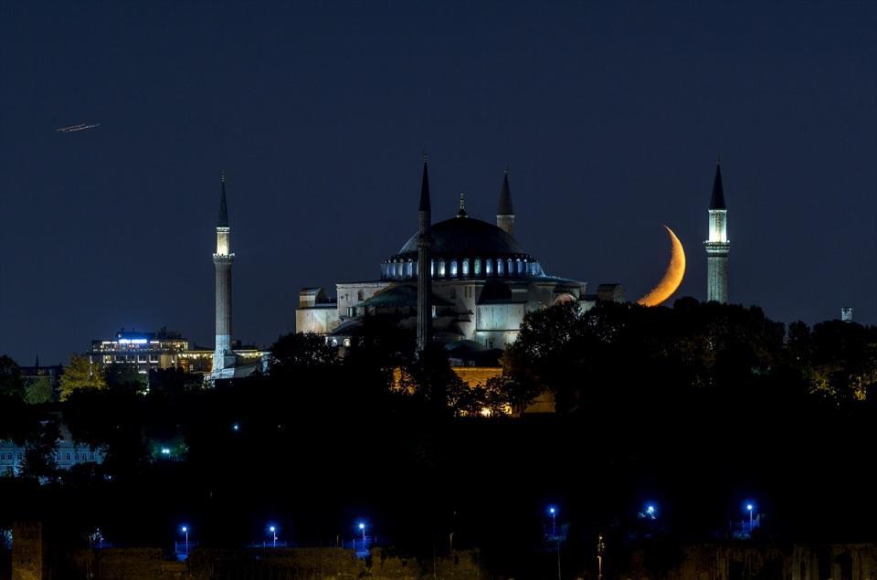 İstanbul ay ışığında bir başka güzel
