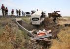 Diyarbakır'da minibüs devrildi: 6 kişi öldü