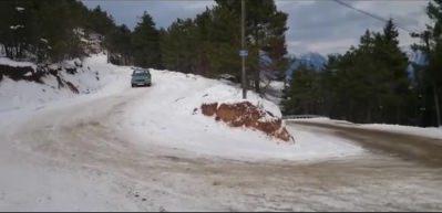 1977 model Toros'tan karlı zeminde müthiş drift