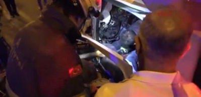 Adana'da 2 kamyonet çarpıştı: 1 ölü, 5 yaralı