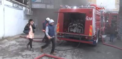 Bakırköy'de yangın! Çok sayıda ekip sevk edildi