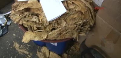 Bayrampaşa'da 40 ton kaçak nargile tütünü ele geçirildi