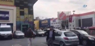 Bayrampaşa'daki AVM'de büyük panik!