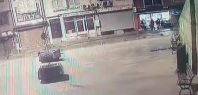 Beyoğlu'nda pideciye silahlı saldırı kamerada