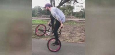 Bisikletle resmen dans etti!