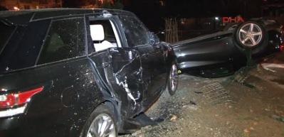Burak Yılmaz'ın içinde bulunduğu araç takla attı!