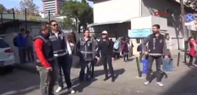 Bursa'da okul önlerinde 'Huzur Operasyonu'