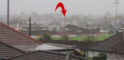 Cork City stadının çatısı böyle uçtu