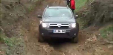 Dacia'dan lüks arazi araçlarını çileden çıkartan performans