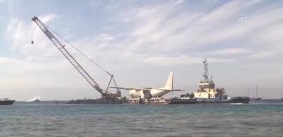 Dalış turizmi için askeri uçak denize batırıldı