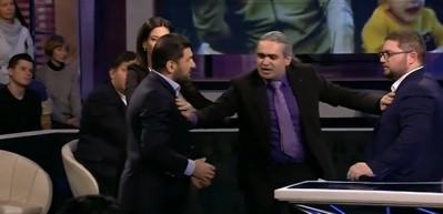 Ermeni ile Azeri gazeteci canlı yayında birbirine girdi!
