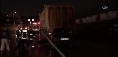 Esenlerde otomobil hafriyat kamyonuna arkadan çarptı