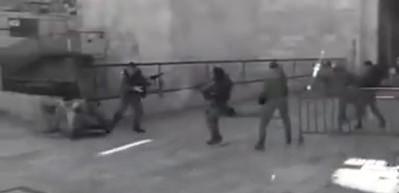 Filistinli genç annesinin gözü önünde kurşuna dizildi!