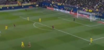 Futbolcuları birbirine çarpıştırıp gol atan Messi