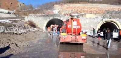 Geminbeli Tüneli inşaatında yangın çıktı: 13 işçi zehirlendi
