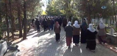 HDP'li vekil Başaran, terörist cenazesinde!