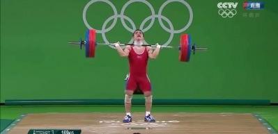 Çinli sporcu Halil Mutlu'nun dünya rekorunu kırdı