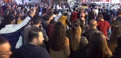 iPhone 8 Trabzon'da horon eşliğinde satışa sunuldu!