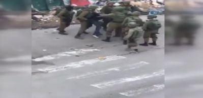 İsrail askerlerinden Filistinli gence işkence gibi gözaltı