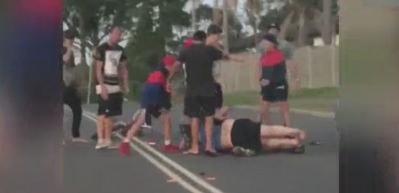 Kazaya sebep olan şoförü öldüresiye dövdüler