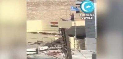 Kerkük'te PKK bürosuna Türkmen Bayrağı asıldı