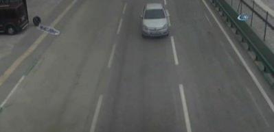 Korkunç kaza! Otomobilden böyle fırladı