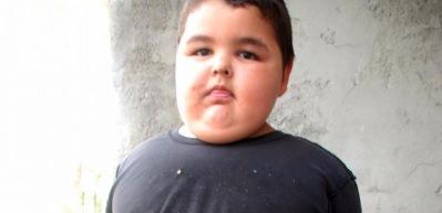 Nedeni bilinmiyor... 4 yaşında 62 kilo!