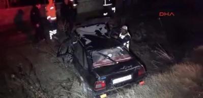 Otomobil şarampole uçtu 1 ölü, 4 yaralı