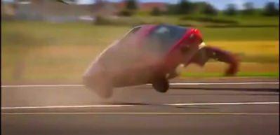 Uçak motorunun arkasından otomobil geçerse...