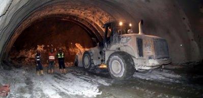 Ovit Tüneli'nde ışığa metreler kaldı