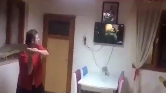 Diriliş Ertuğrul izlerken kendinden geçti!