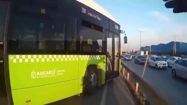 Kavga edecekken trafik polisi olan motorcu