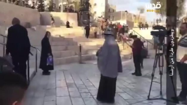 Yaşlı kadın, Yahudi yerleşimciyi böyle korkuttu!
