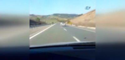 Şoförün bu hareketini görenler telefona sarıldı!