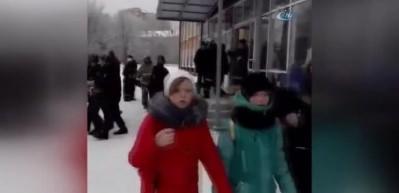 Rusya'da okulda bıçaklı kavga: 15 yaralı