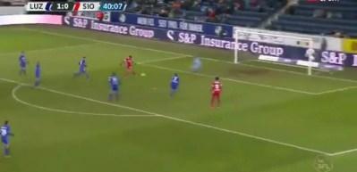 Salih Uçan'dan şık gol!