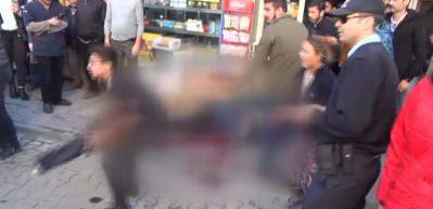 Seyyar mısır satıcıların bıçaklı kavgası cinayetle bitti