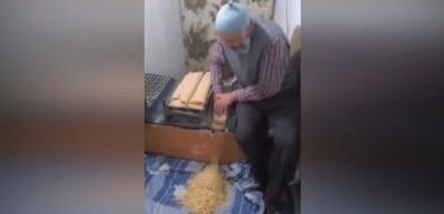 Sivaslı amcanın tehlikeli erişte üretimi