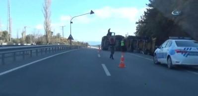Söke'de asfalt yüklü TIR devrildi!