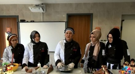 Pasta süsleme nasıl yapılır?