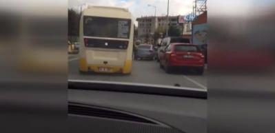 Tıka basa dolu minibüste ölümüne yolculuk kamerada