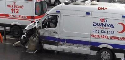 Üsküdar'da zincirleme trafik kazası: 2 yaralı