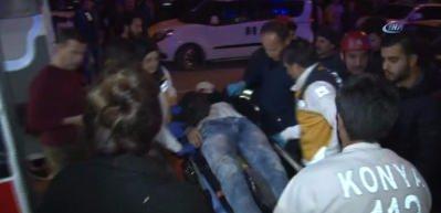 Kontrolden çıkan otomobil tramvay yoluna girdi: 2 yaralı