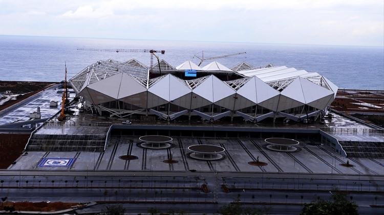 Akyazı Stadı'nda canlı yayın kavgası!