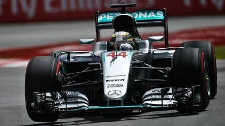 Formula 1'de şampiyonluk son yarışa kaldı