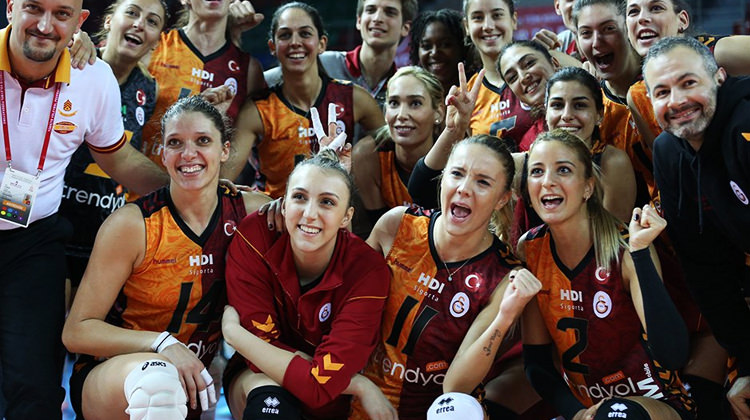 Derbide gülen Galatasaray!