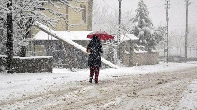 12 Ocak Karabük'te okullar tatil mi?