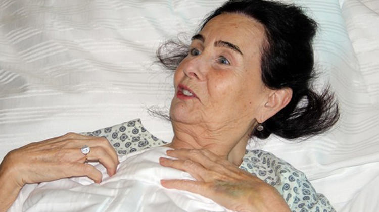 Fatma Girik'ten sevenlerine kötü haber