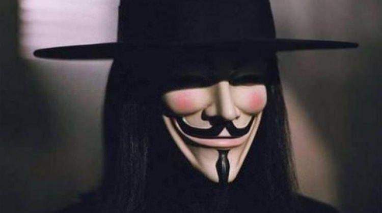Maskenin altından bakın ne çıktı!