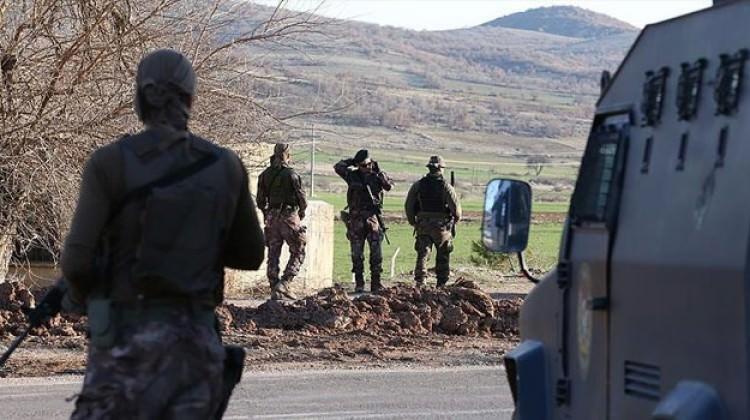 Diyarbakır Valisi açıkladı: 2 terörist öldürüldü!